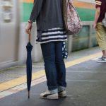【雨の日の通勤通学】満員電車の長傘でトラブル発生急上昇中(自爆編)